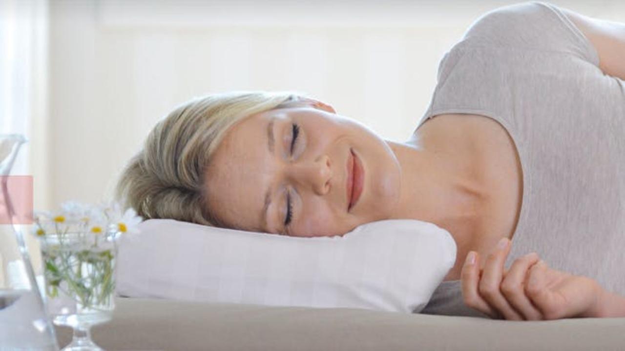 枕選びは形が重要!? 首から睡眠姿勢をサポートしてくれる枕「Sissel」がまもなく終了!
