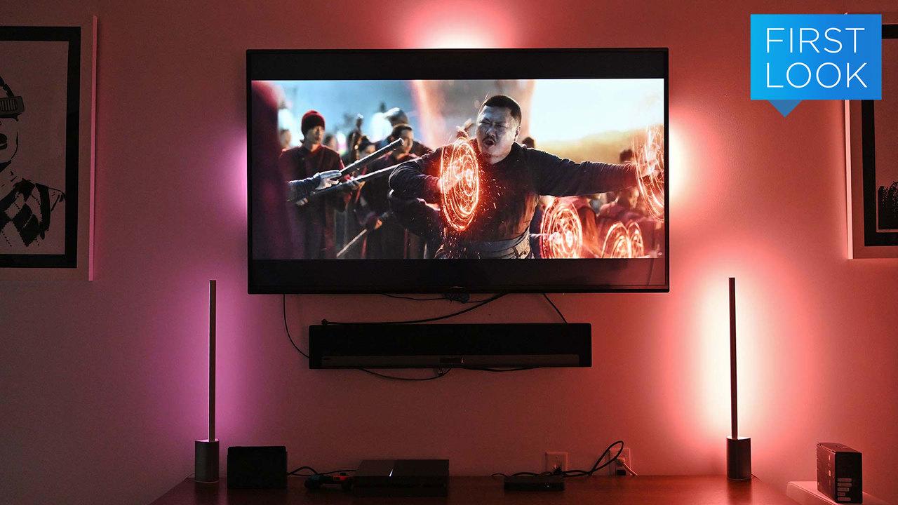 おうちのテレビタイムをゴージャスに。スマート照明をテレビを同期させる「Play HDMI Sync Box Philips Hue」
