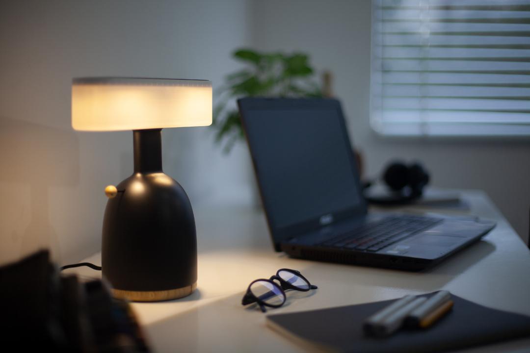 その光のお値段考えたことありますか? お金とエネルギーを想うデザイン照明「DINA Lamp」がもうすぐ終了