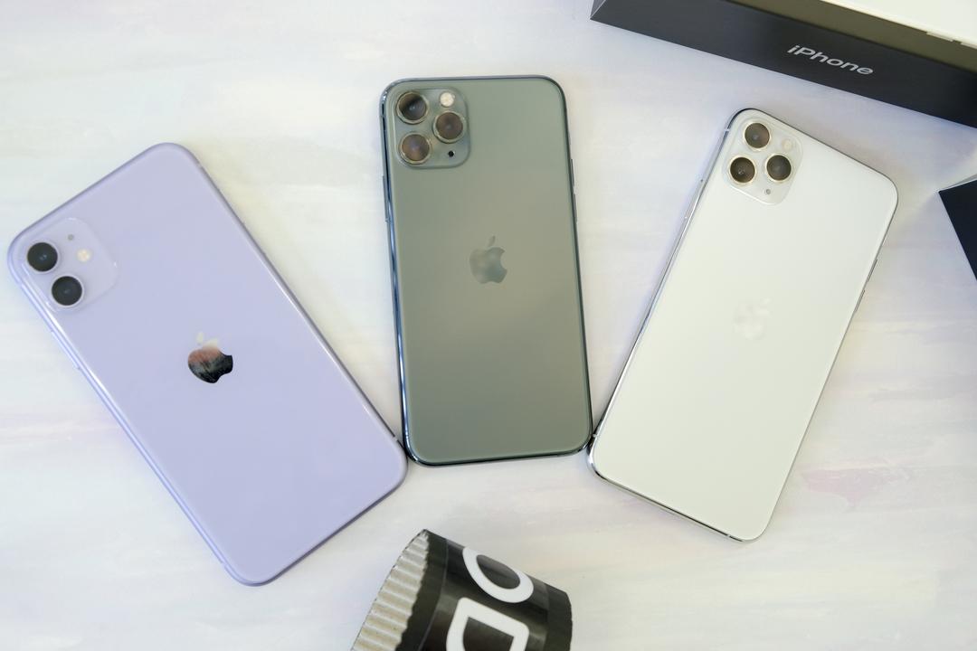 今年のiPhoneたちが届きました! よ! 今日はiPhone祭りだ!