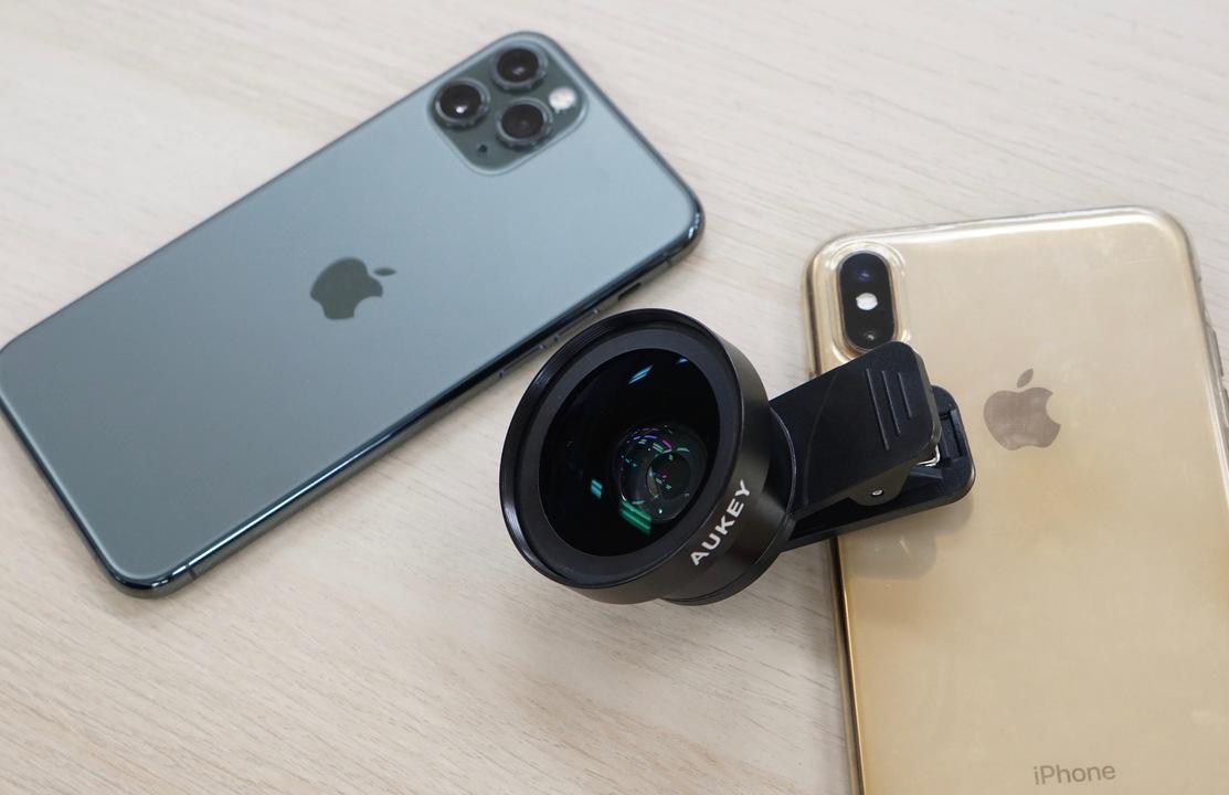 iPhone XSにクリップ広角レンズで、iPhone 11 Proの超広角カメラと戦えるの?