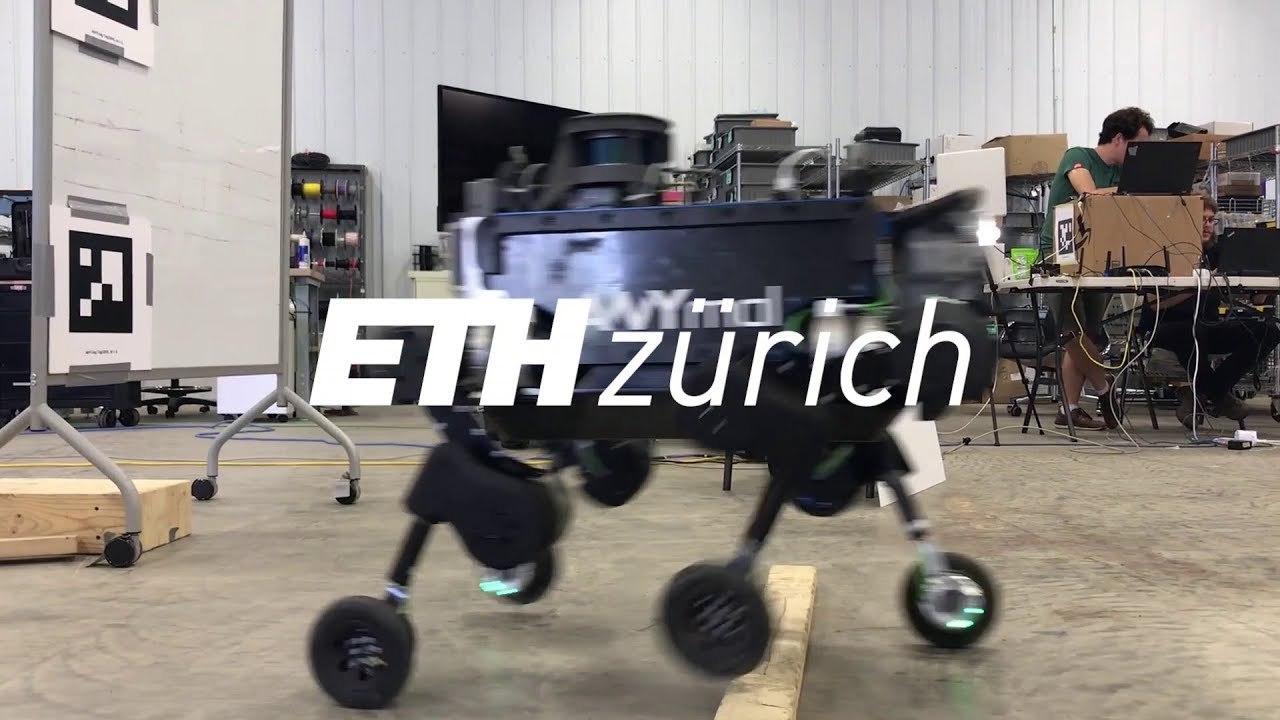 犬型ロボット「ANYmal」、車輪が付いてローラースケートみたいになる