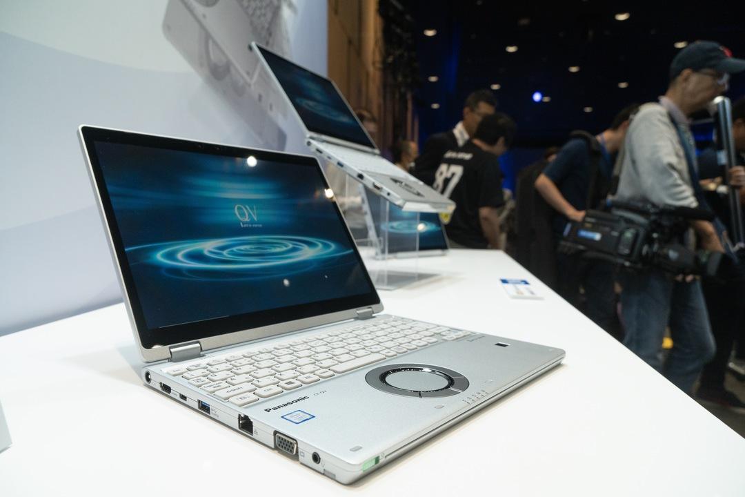 高解像度ディスプレイな12インチっていいなぁ。パナソニックが新型ノートPC「レッツノートQV8」を発表