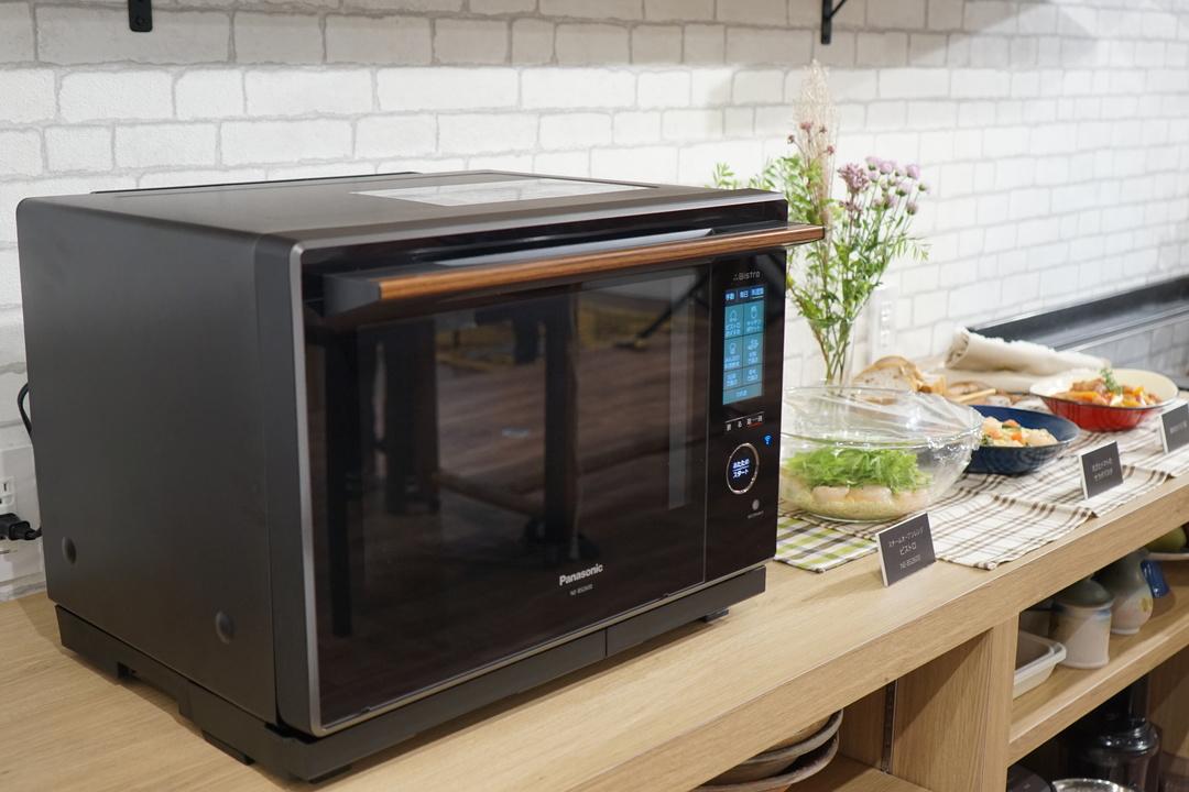 すでに「調理」はボタンを押すだけで済む時代だ。アップデートできるパナソニックのオーブンレンジ「NE-BS2600」