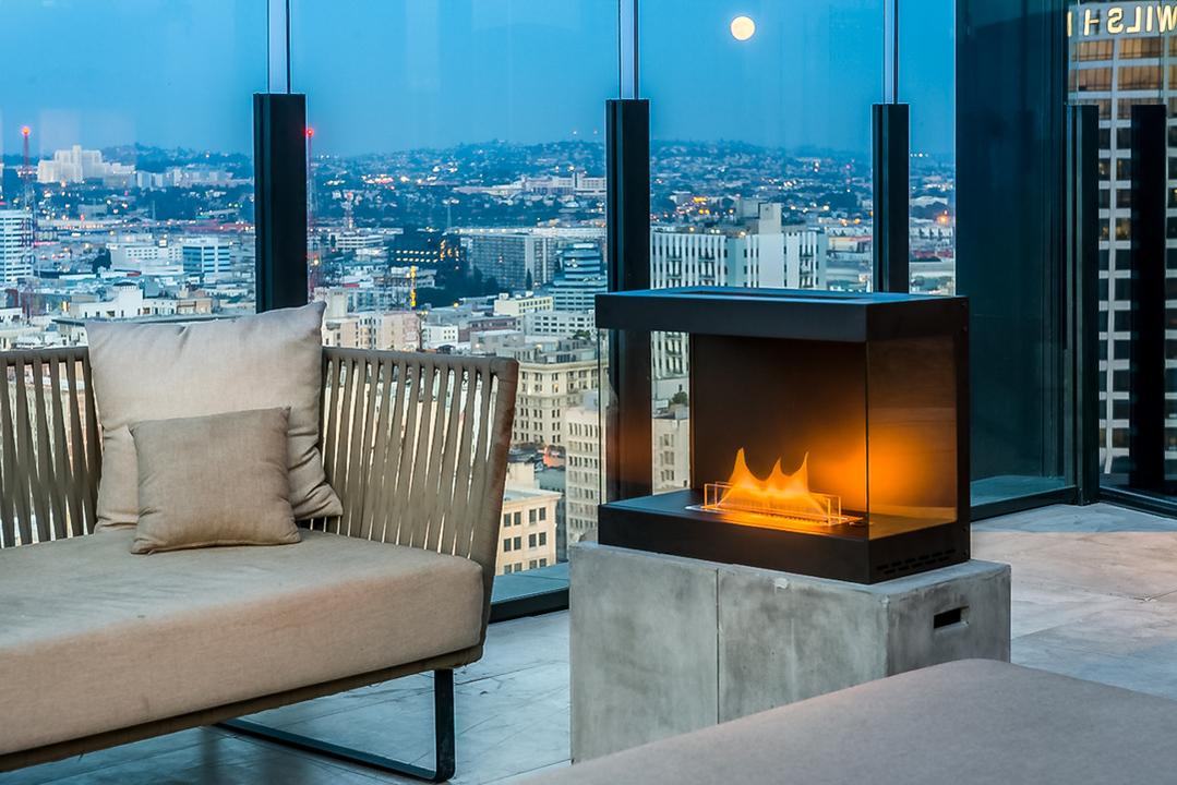 美しく 揺らめく炎をご家庭で! 特許技術で実現した、高い安全を誇るポータブル暖炉「LovinFlame」が登場