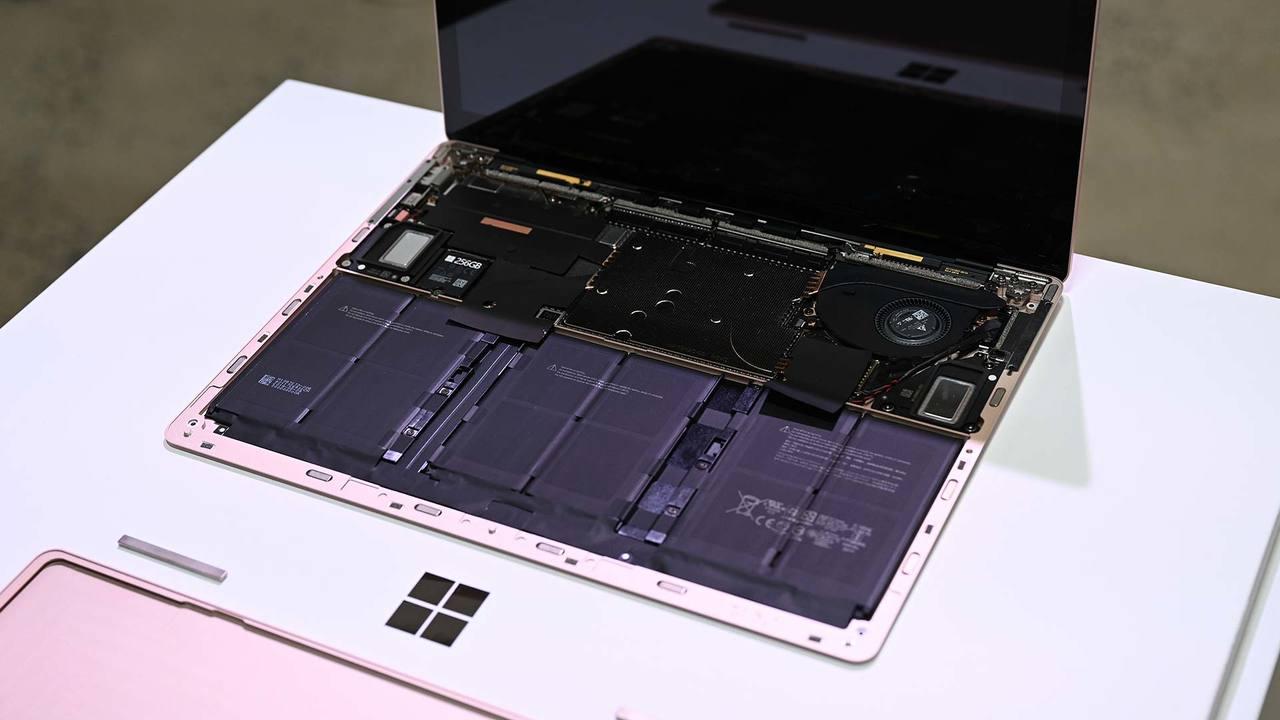 Surface Laptop 3は「修理しやすい」のに自力で直しちゃダメ。どういうことなの?