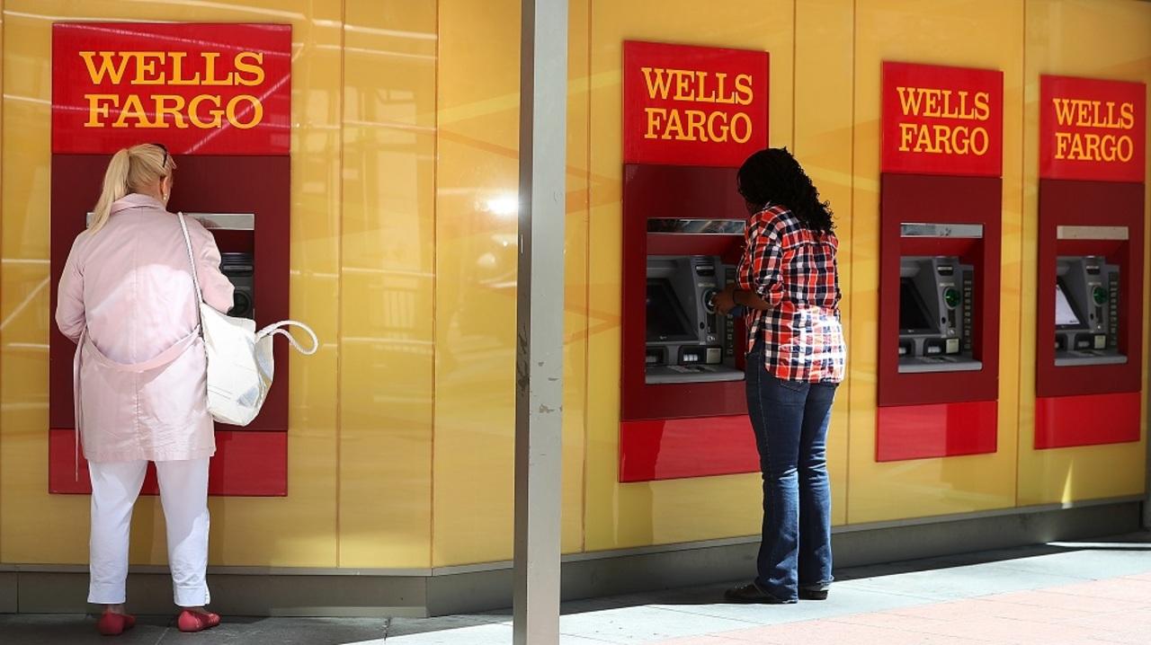銀行業務の自動化がアメリカ20万人の雇用をなくす日