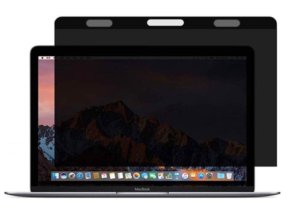 【きょうのセール情報】Amazonで期間限定セールが開催中! 2,000円台のMacBook Air 13対応のぞき見防止フィルターや900円台で急速充電対応のLightning ケーブル4本セットがお買い得に