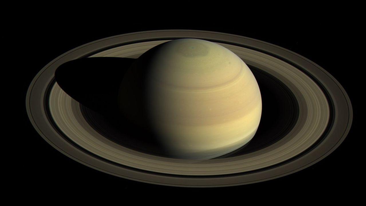 名付け親、募集中!土星で新たに発見された20の衛星