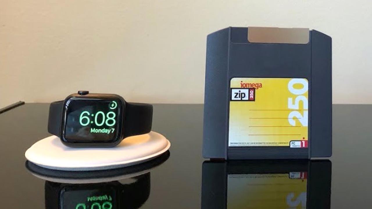Apple Watch、1994年のテクノロジー「zipドライブ」にアクセスする