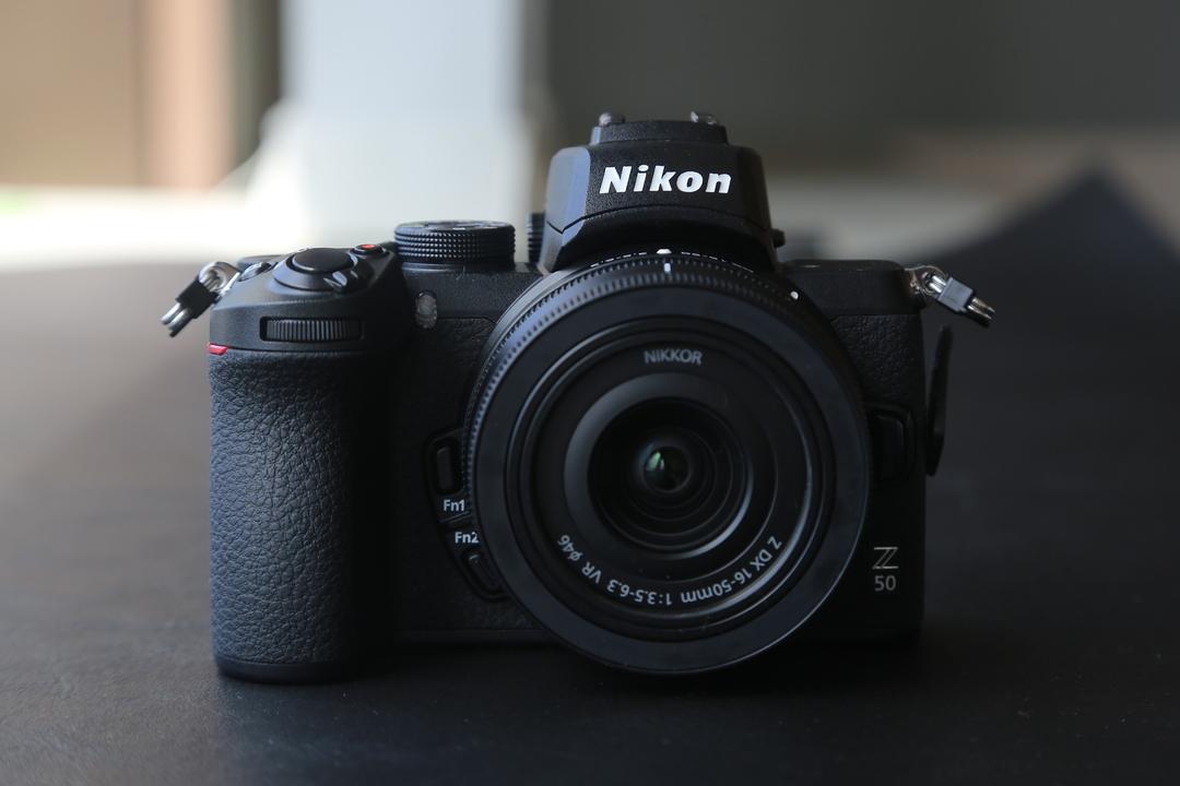 ニコンからAPS-Cミラーレスカメラ「Z 50」が発表! Zマウント採用のミニ「Z」