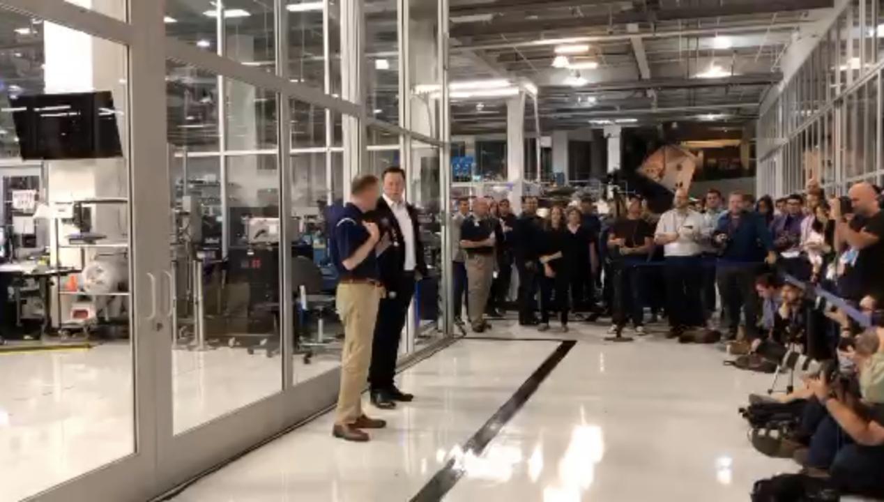 イーロン「SpaceXの知的財産はNASAが自由にしていい。もちろんライバル社に渡してもいい」→NASAの長官「国家の安全が優先です」