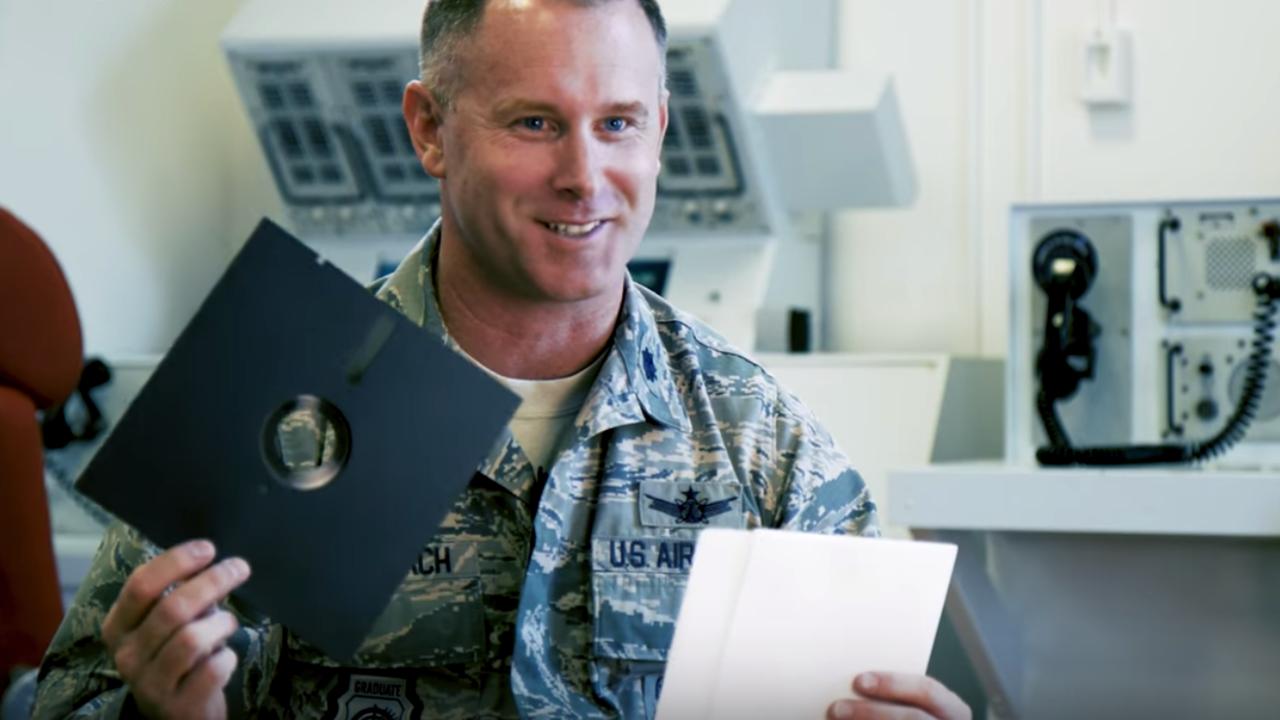 米軍、核兵器のシステムでフロッピーディスクを使うのをやめる予定。え、フロッピーディスク?
