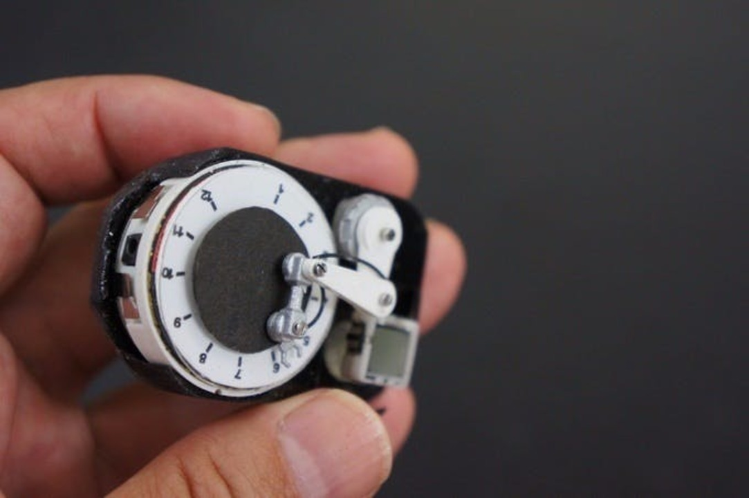 産業ロボが時間を教えてくれるよ! 「ロボットアームウォッチ」があと2日で終了