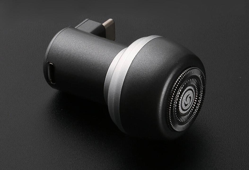スマホと合体して使う電気シェーバー。これがあれば夕方の青い顎現象も回避