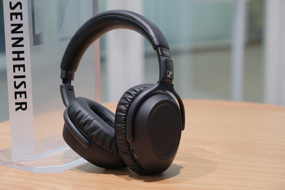 ゼンハイザー「PXC 550-II Wireless」ファーストインプレッション:ビジネスと生活からノイズを取り去るヘッドフォン