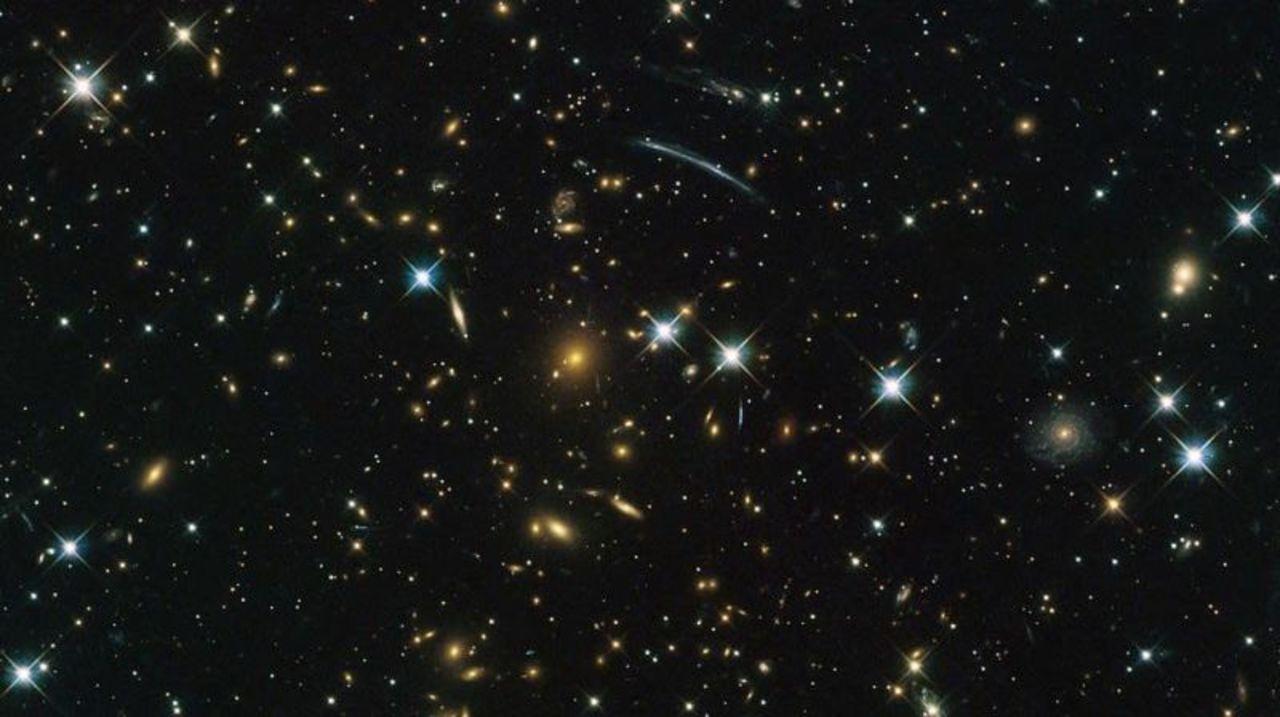 「宇宙はまるい」説が浮上!宇宙理論が根本からひっくり返るかも