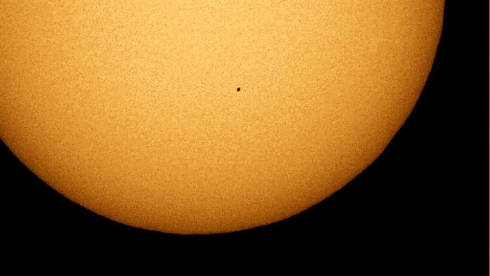 11月11日に水星が太陽を横切るぞ! 次は2032年だから見逃すな!