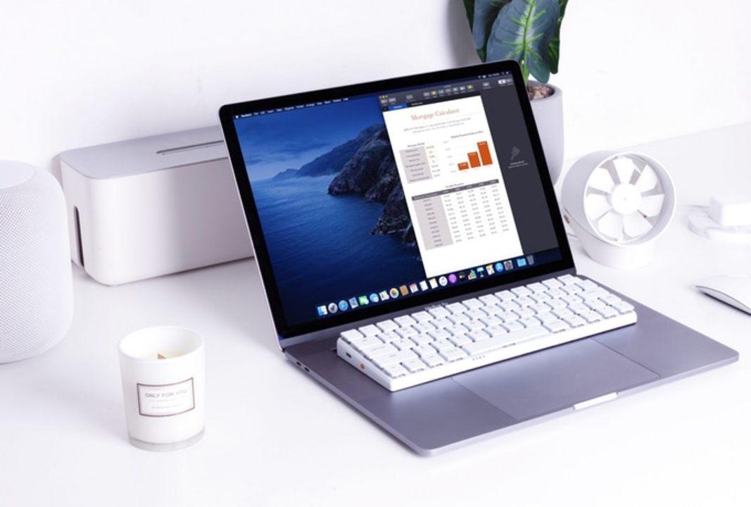 MacBookのキーボードが使いづらいとお嘆きの貴兄に。MacBookに載せて使えるメカニカルキーボードはいかが?