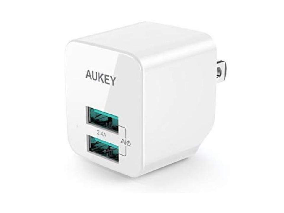 【きょうのセール情報】Amazonタイムセールで90%以上オフも! 900円台で2ポート対応のAUKEY充電器やCheeroのType-C対応2in1巻き取り式充電ケーブルがお買い得に