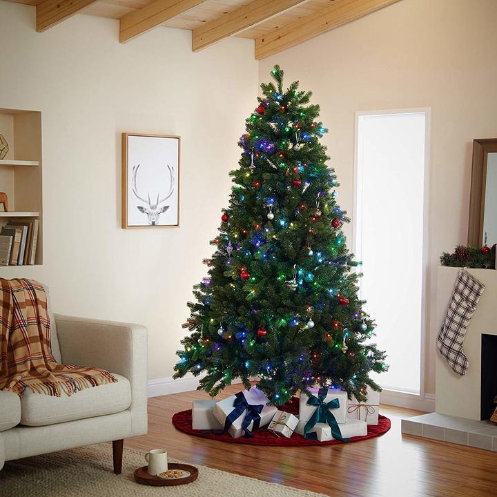 Amazon.comが音声コマンドのクリスマスツリーをリリース。「アレクサ 、電飾つけて」