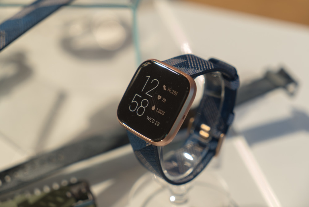 そうくる? Googleによる買収を嫌い、目立つFitbitユーザーのApple Watchへ乗り換え宣言…