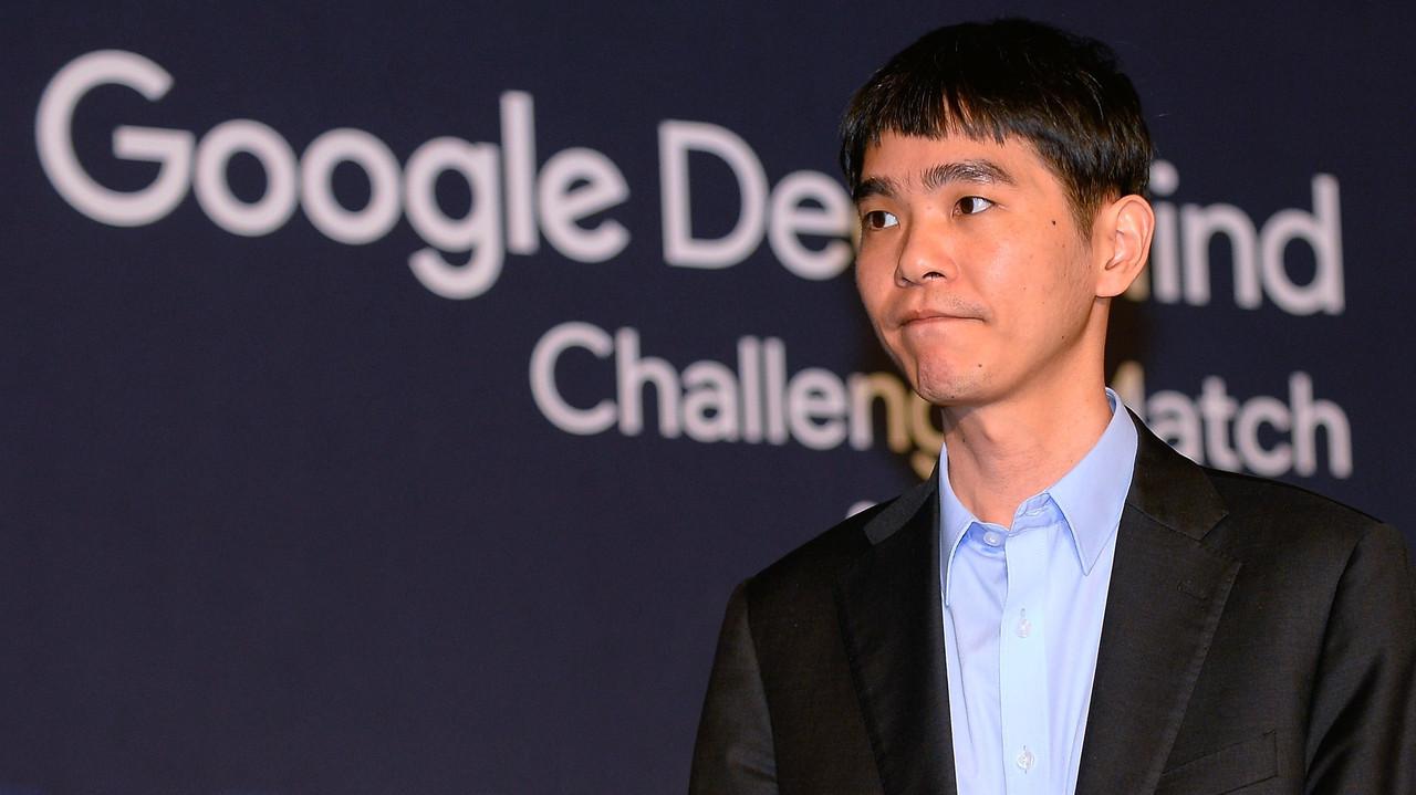 韓国の囲碁世界チャンピオンが「AIは倒せない存在だ」と引退