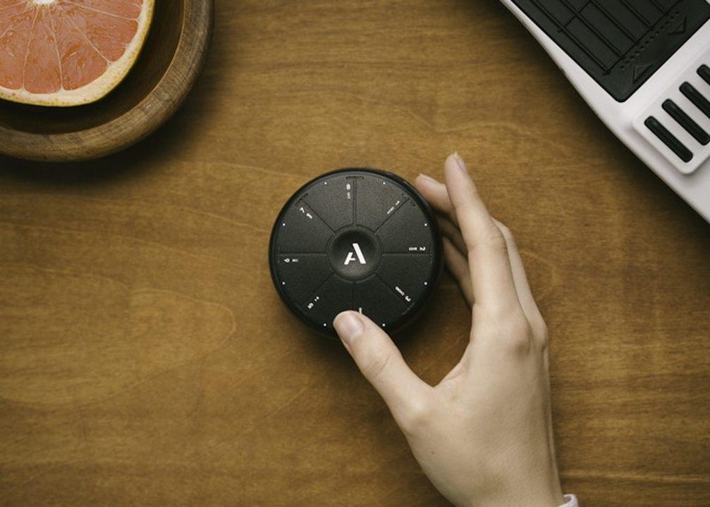 丸くてかわいい、手のひらサイズのMIDIコントローラー「Orba」だよ