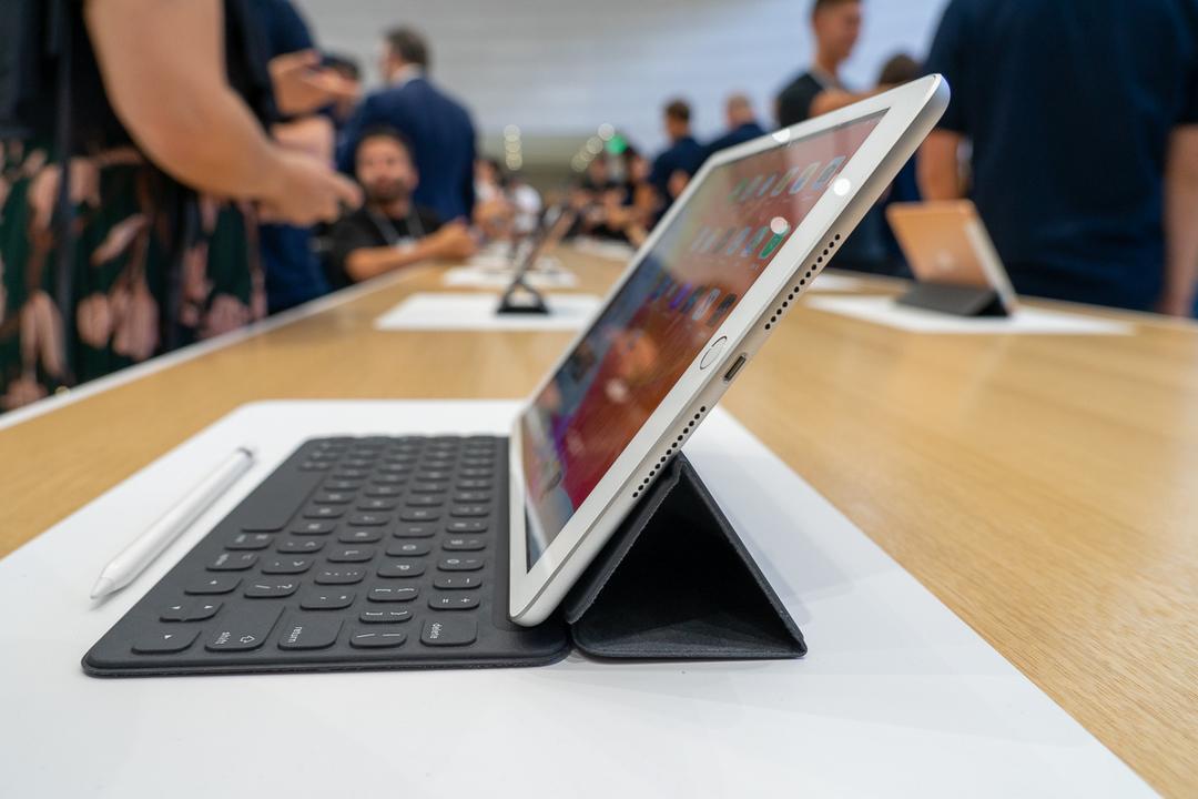 【Amazonサイバーマンデー】お、iPadが安くなってる〜。iPad(2019年モデル) が約5000円引だよー