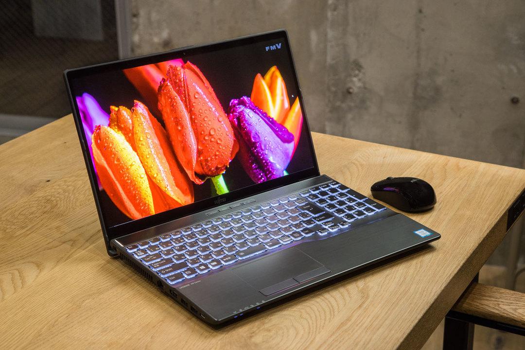 パソコンを使い倒すならディスプレイを重視。4K有機ELディスプレイのFMV「LIFEBOOK AH-X(テン)」はいかが?