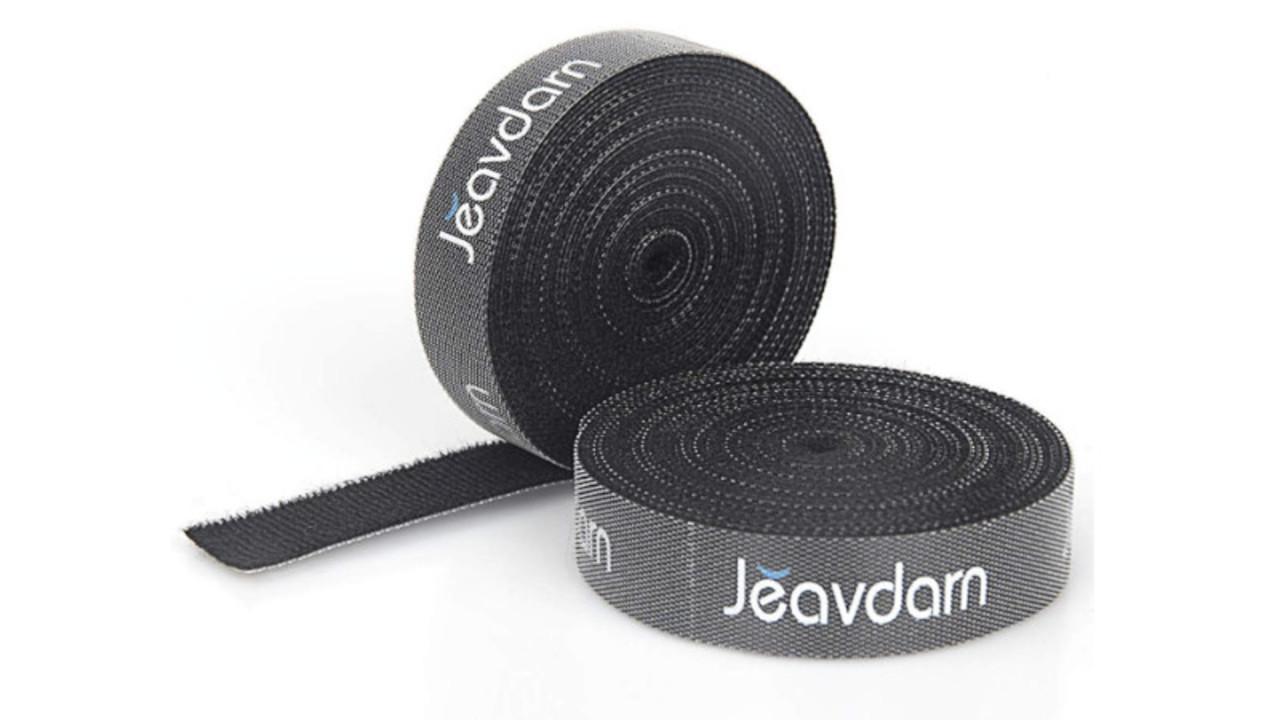 ケーブルのまとめに便利! 好きな長さでくっつき、手でカットできるマジックテープ