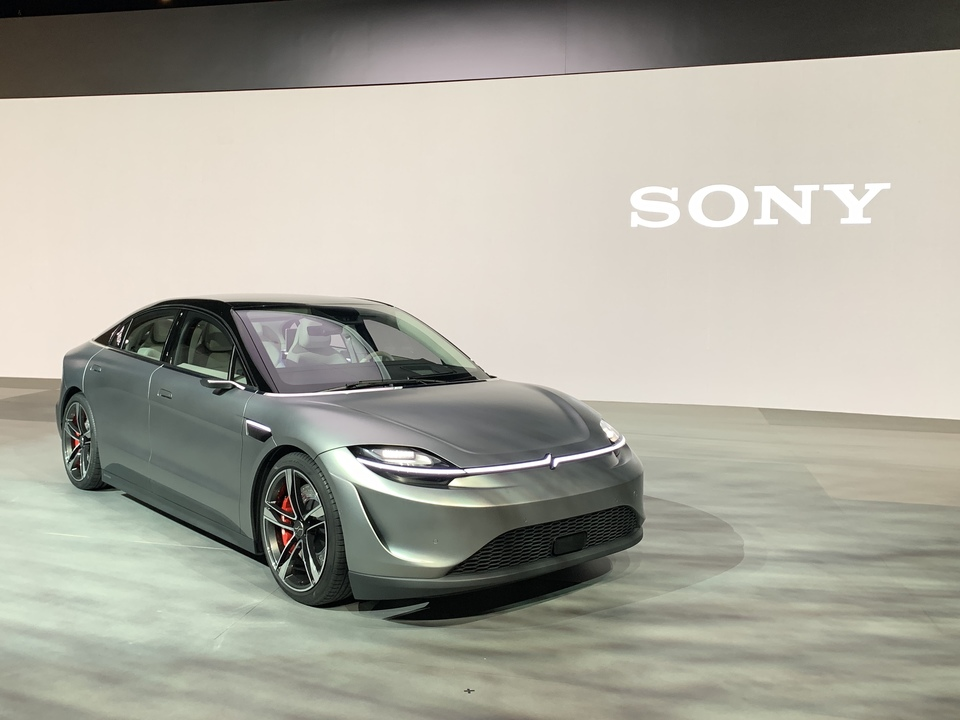 ソニーが作るクルマってこんな感じ。「VISION-S」プロジェクトのコンセプトカーがお披露目されました #CES2020