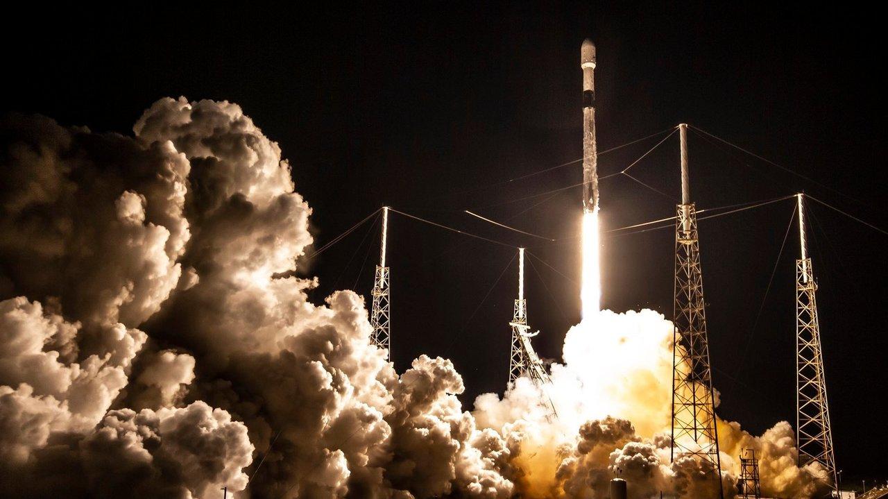 Starlinkの打ち上げ成功で、SpaceXが最大の商業衛星オペレーターに
