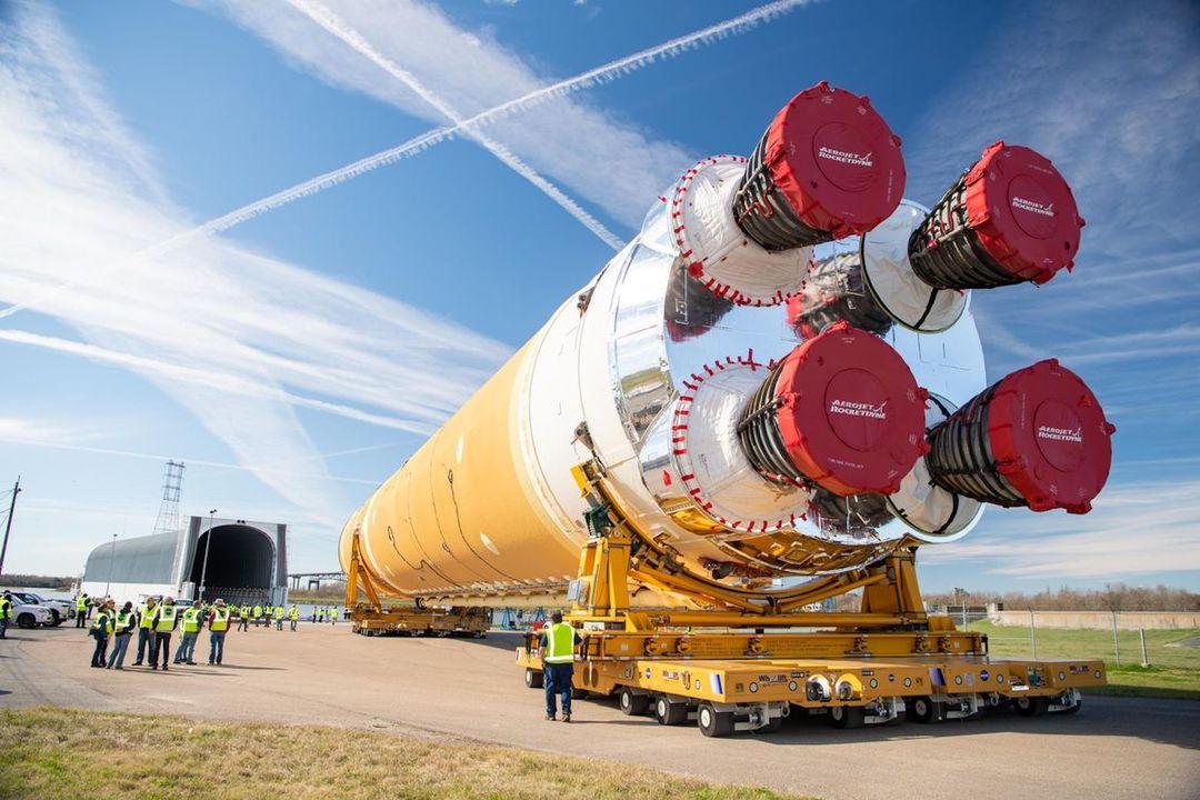 NASAの次世代ロケット「SLS」のコアブースターが完成