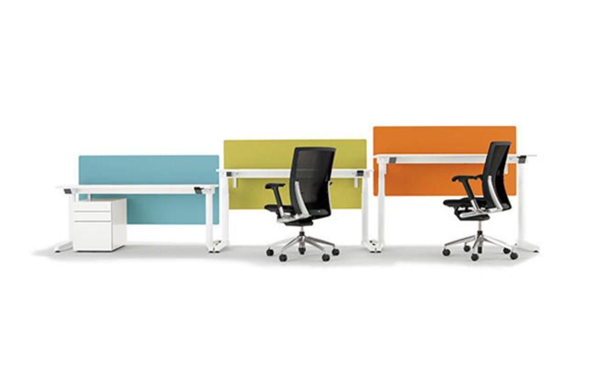 長時間座りっぱなしになってたら、机が勝手に動き出して運動を促してくれる