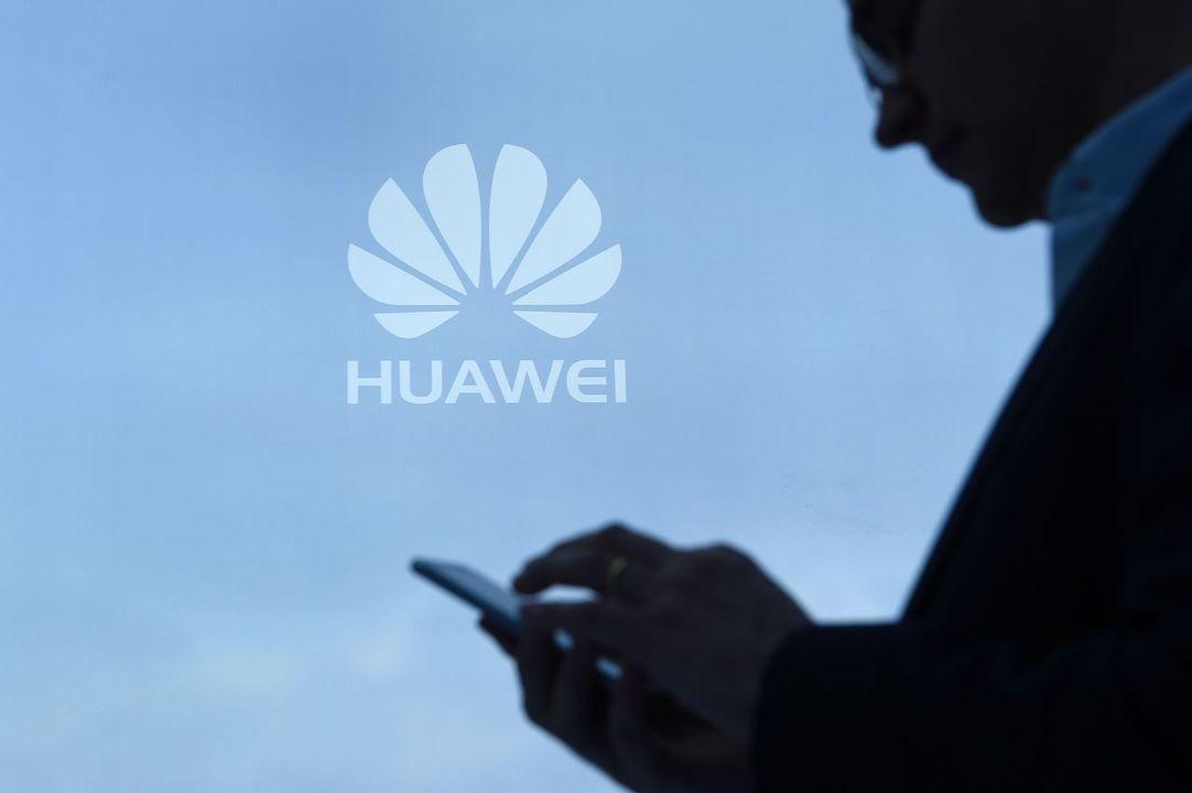 もうGoogleには頼れないから。中国スマホメーカー連合、独自アプリストアを準備中だって