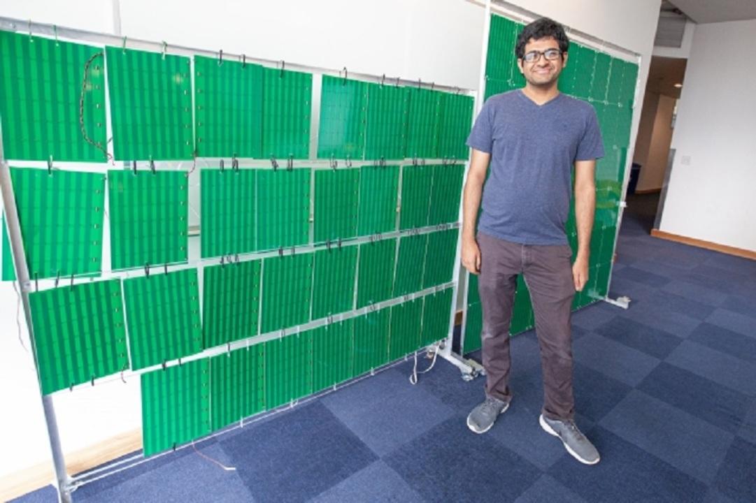 電波が10倍強くなる不思議な壁紙、MITが開発