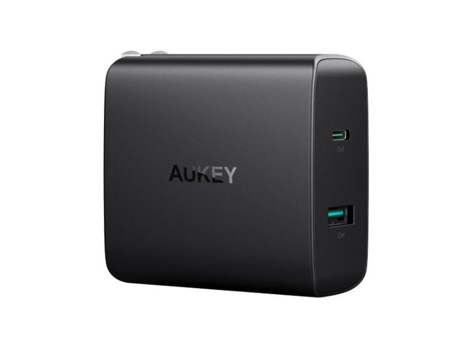 【きょうのセール情報】Amazonタイムセールで、AUKEYのUSB-C対応・2台同時充電可能な充電器や1,000円台のコップに挿して使うUSBミニ加湿器がお買い得に