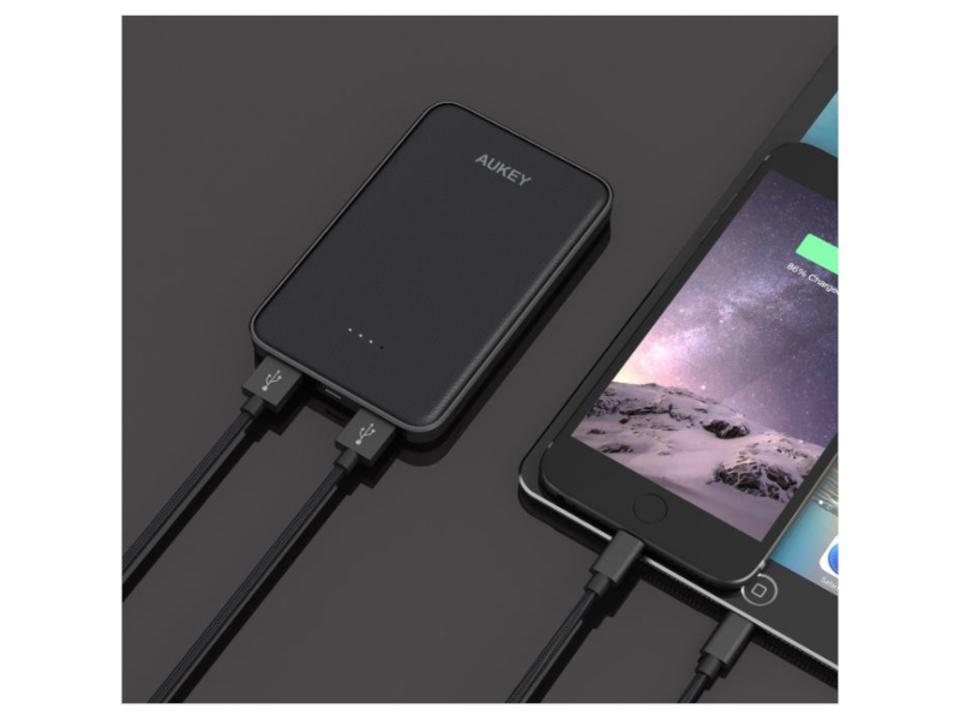 【きょうのセール情報】Amazonタイムセールで、1,000円台の2ポート同時充電可能なAUKEY薄型モバイルバッテリーや2,000円台の音楽再生もできる4in1多機能ポケットラジオがお買い得に