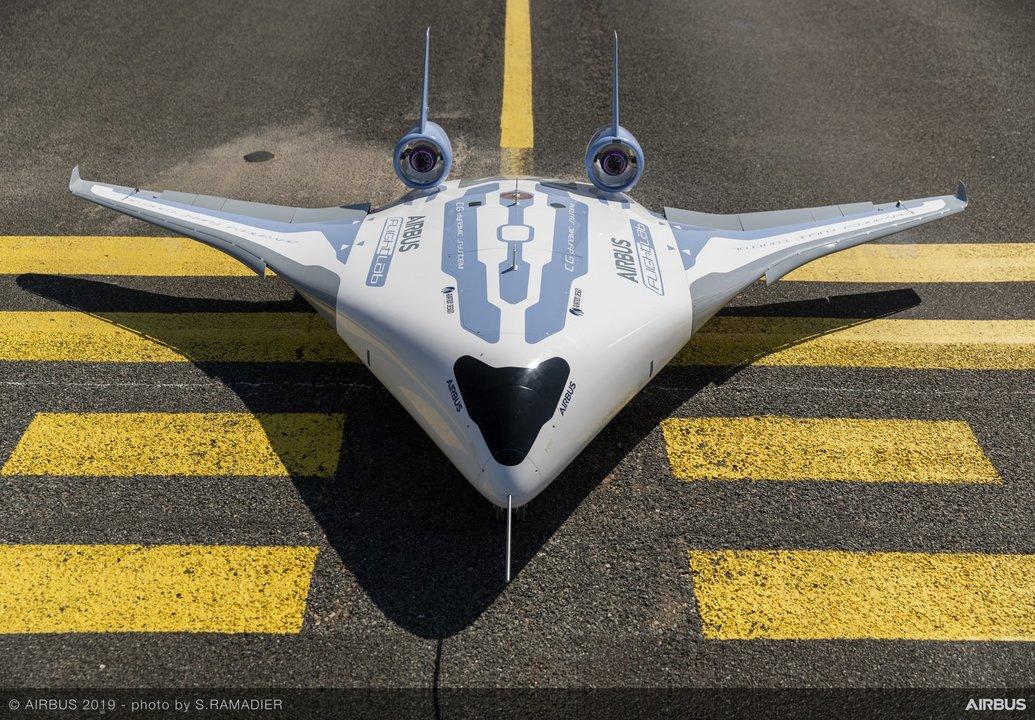 エアバスが太っちょ旅客機「MAVERIC」のミニチュア試作機を飛ばす