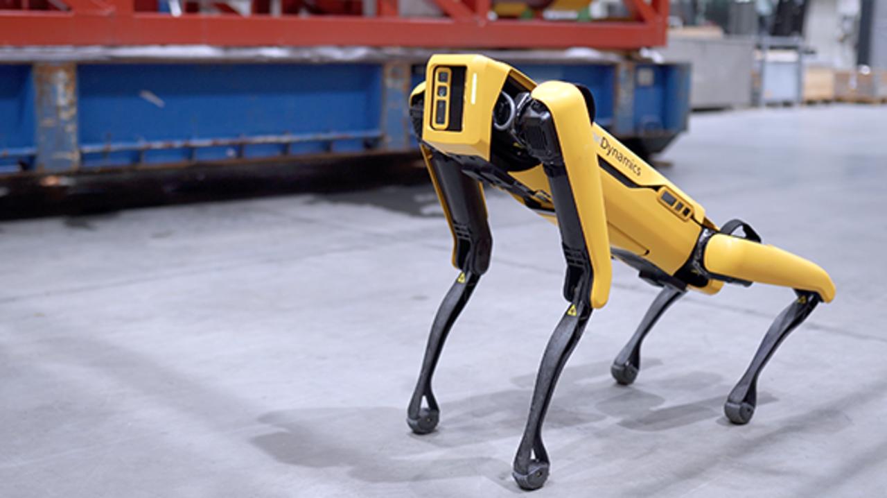 石油プラットフォームに来た犬型ロボット「Spot」、ガス漏れや異音がないかパトロール