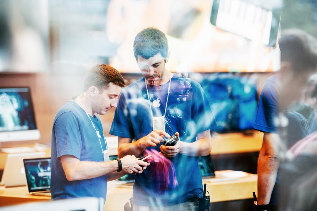 Appleストア店員の退勤時バッグチェック、海外にて賃金支払い命令