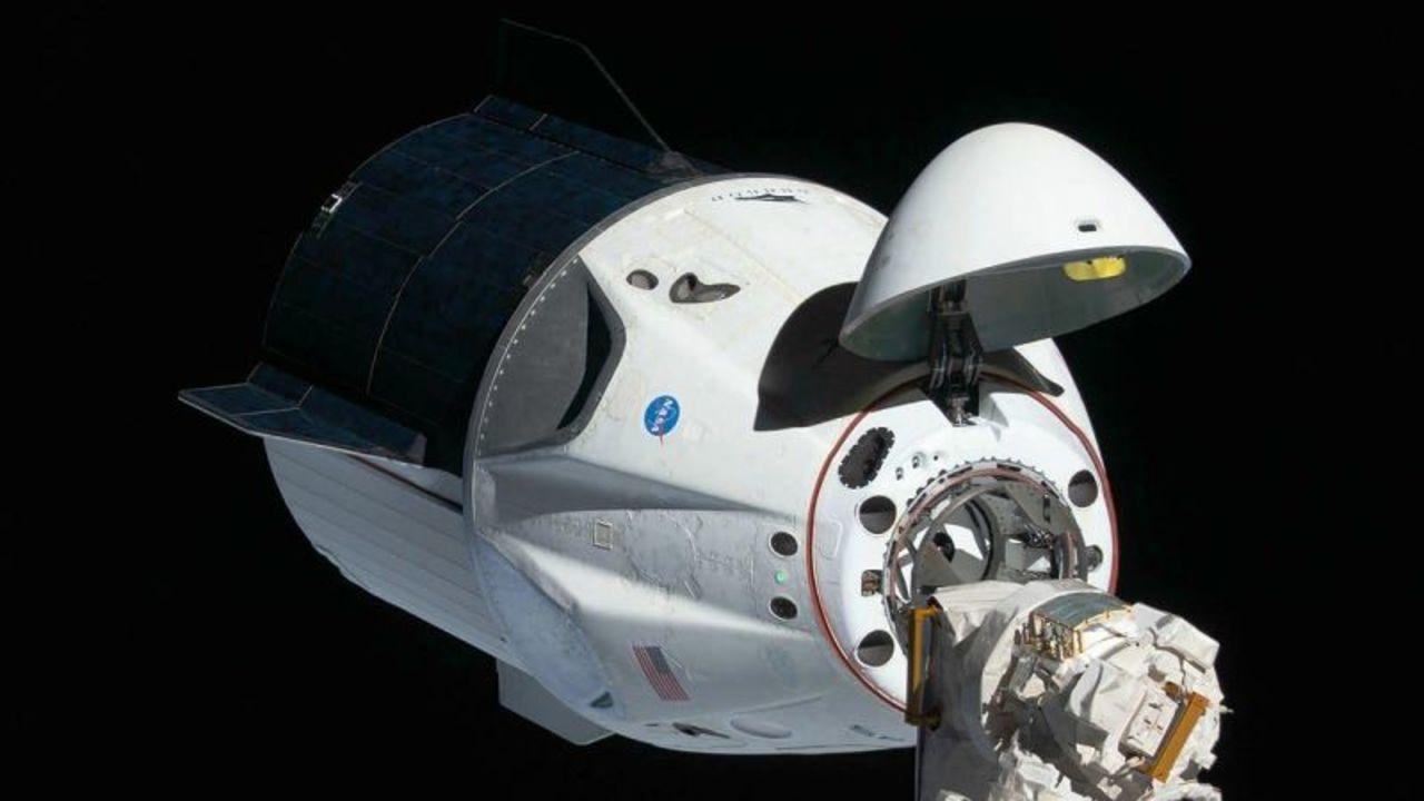 SpaceX、今までの2倍の高さまで飛べる宇宙旅行を計画