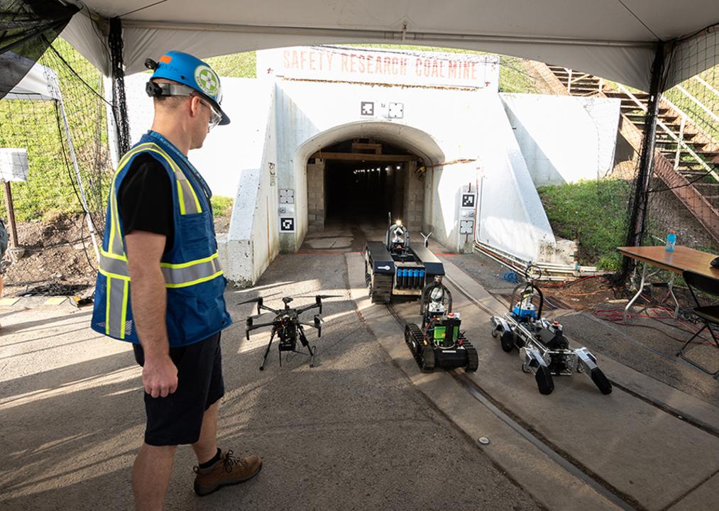 地下施設を攻略せよ! 探査ロボットとチームワークを競うコンテスト
