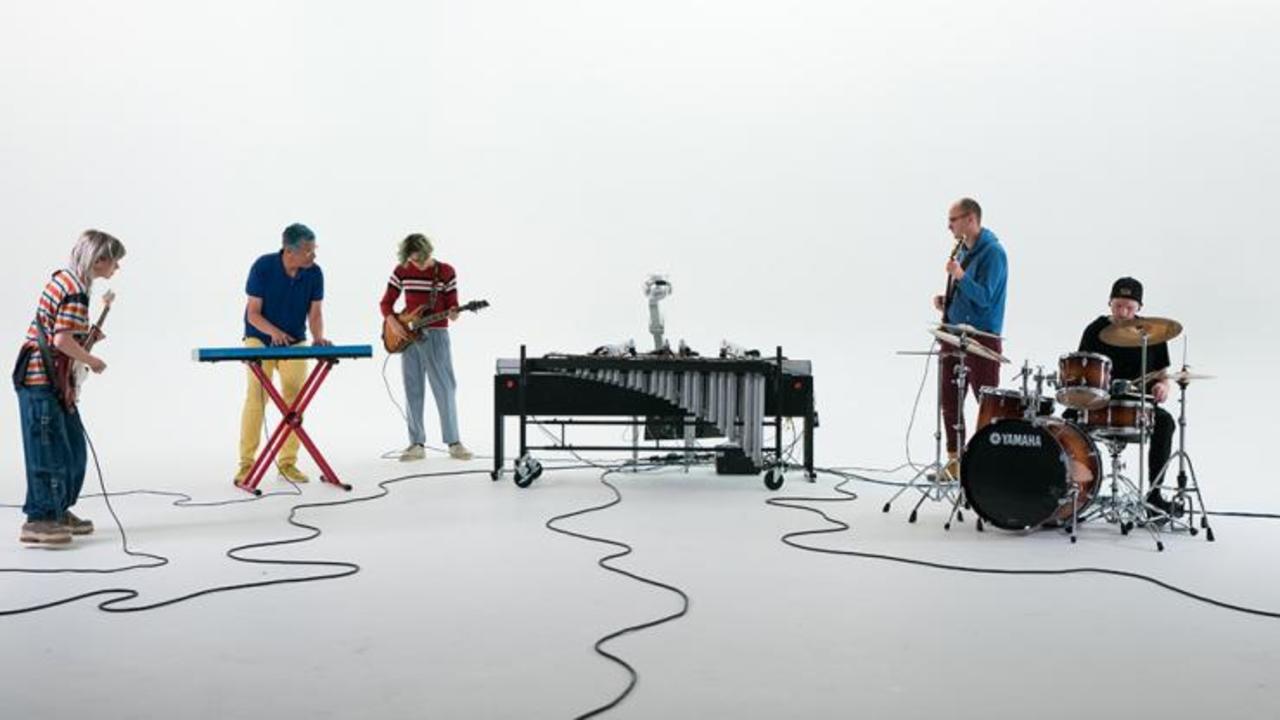 マリンバ奏者のロボット「シモン」、作詞作曲を手掛け1stアルバム発表&ツアーを計画中
