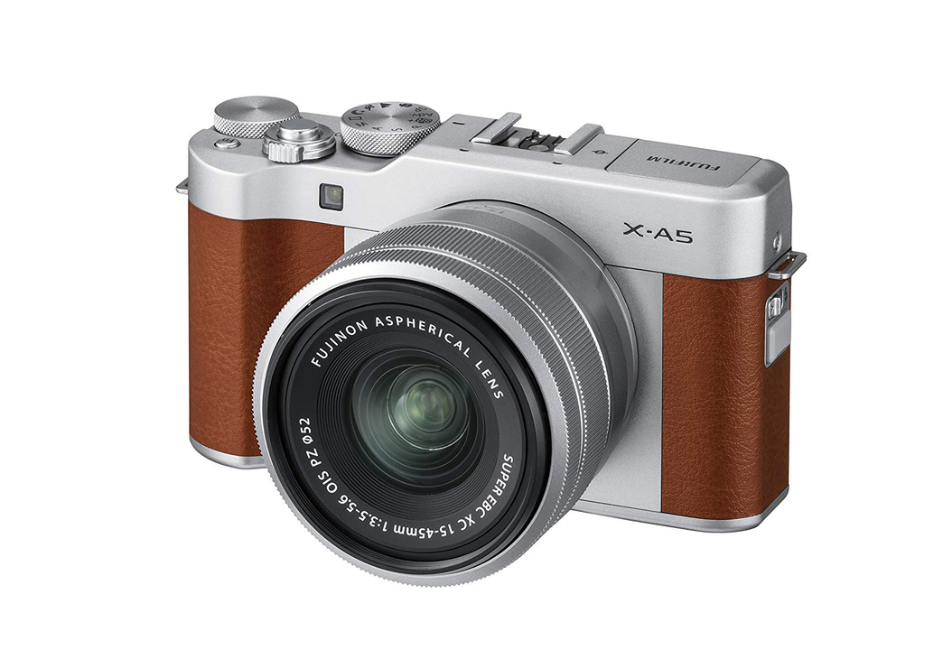 フジのミラーレスカメラ「X-A5」が4万円切ってるるるる〜