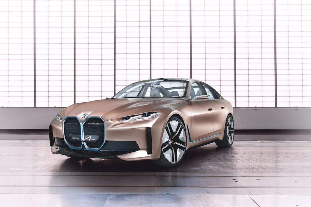 SFカーじゃん。BMWから7年ぶりの電気自動車が発表