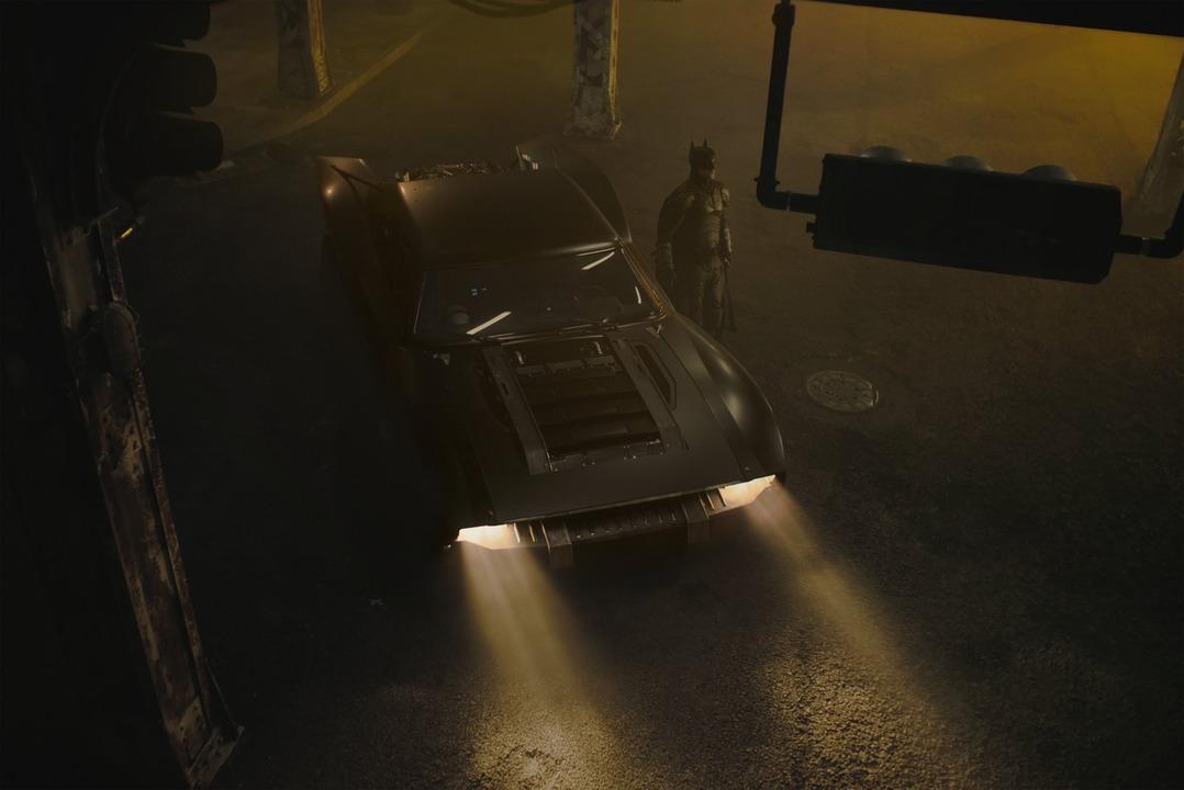 新映画版『バットマン』のバットモービル公開!なんだか『ワイルド・スピード』みたい