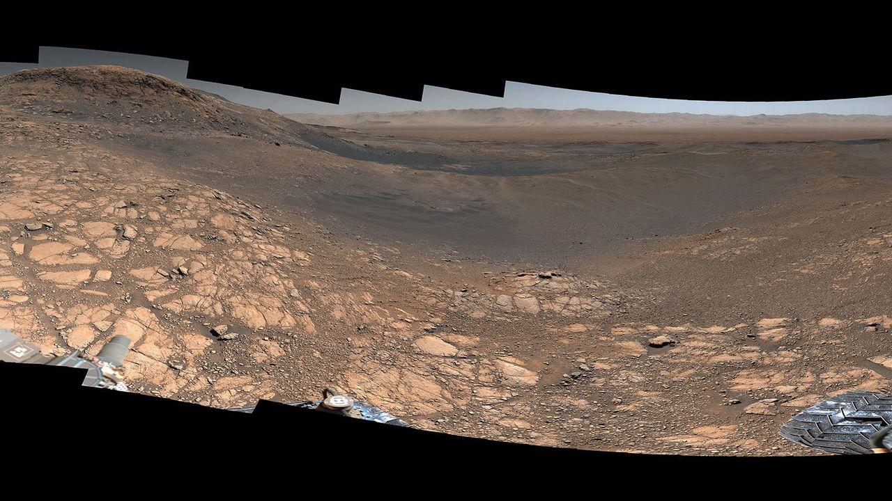 キュリオシティがせっせと撮った超高解像度パノラマ画像で火星を体験できちゃうよ