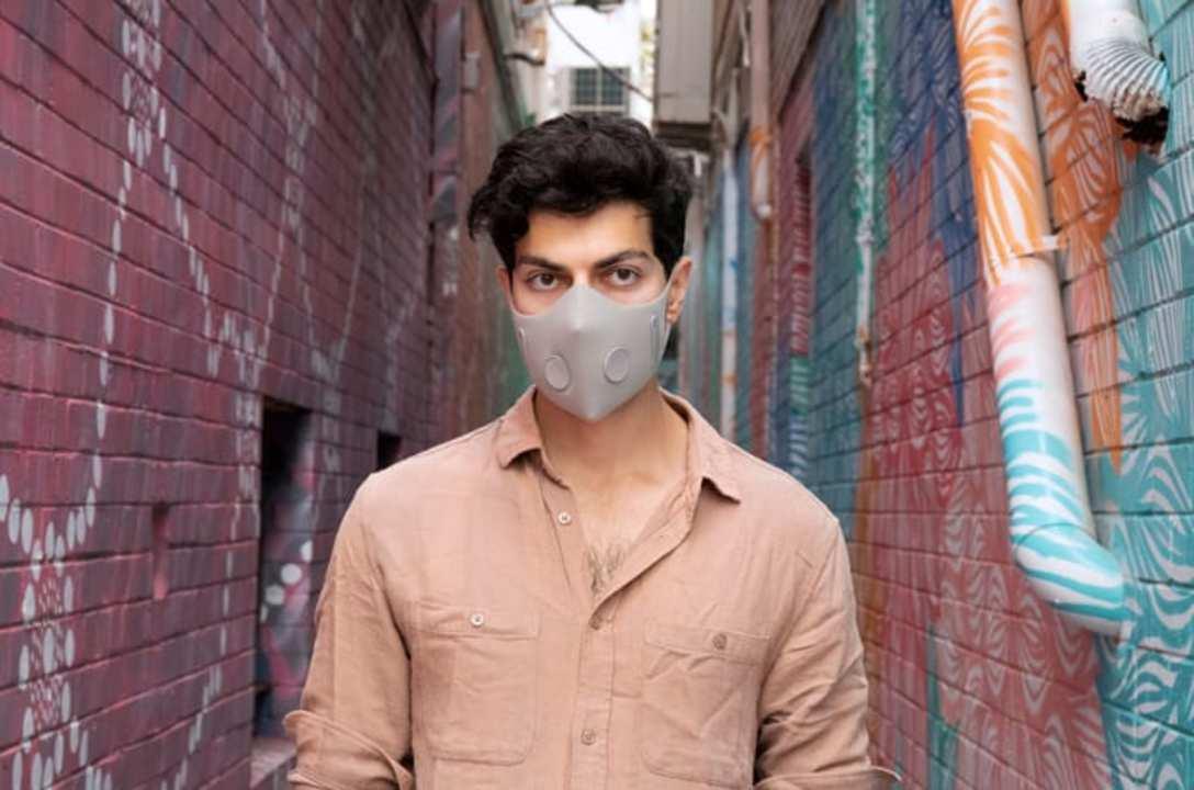大気汚染もウイルスも煙害も防ぎ、花の香りがする多層式マスク